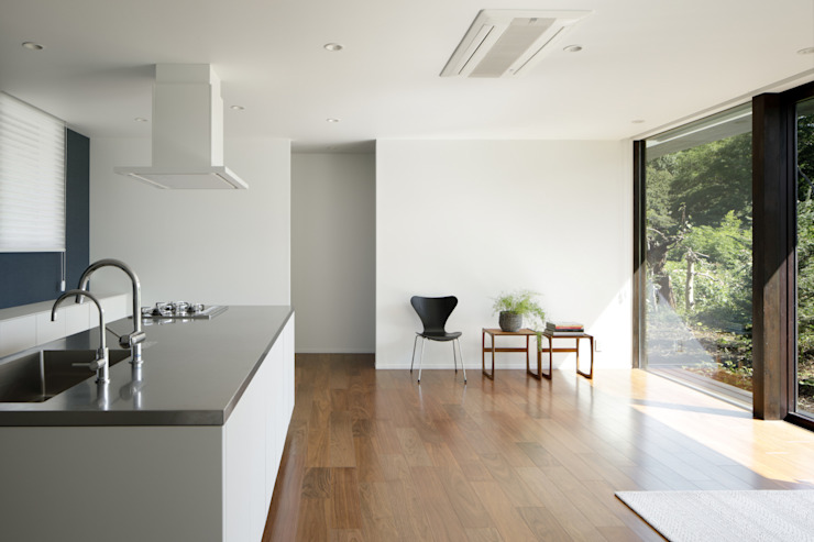 atelier137 ARCHITECTURAL DESIGN OFFICE Salas de estilo moderno Blanco