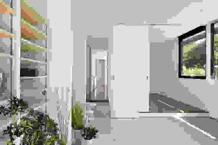 atelier137 ARCHITECTURAL DESIGN OFFICE Oficinas de estilo moderno Concreto