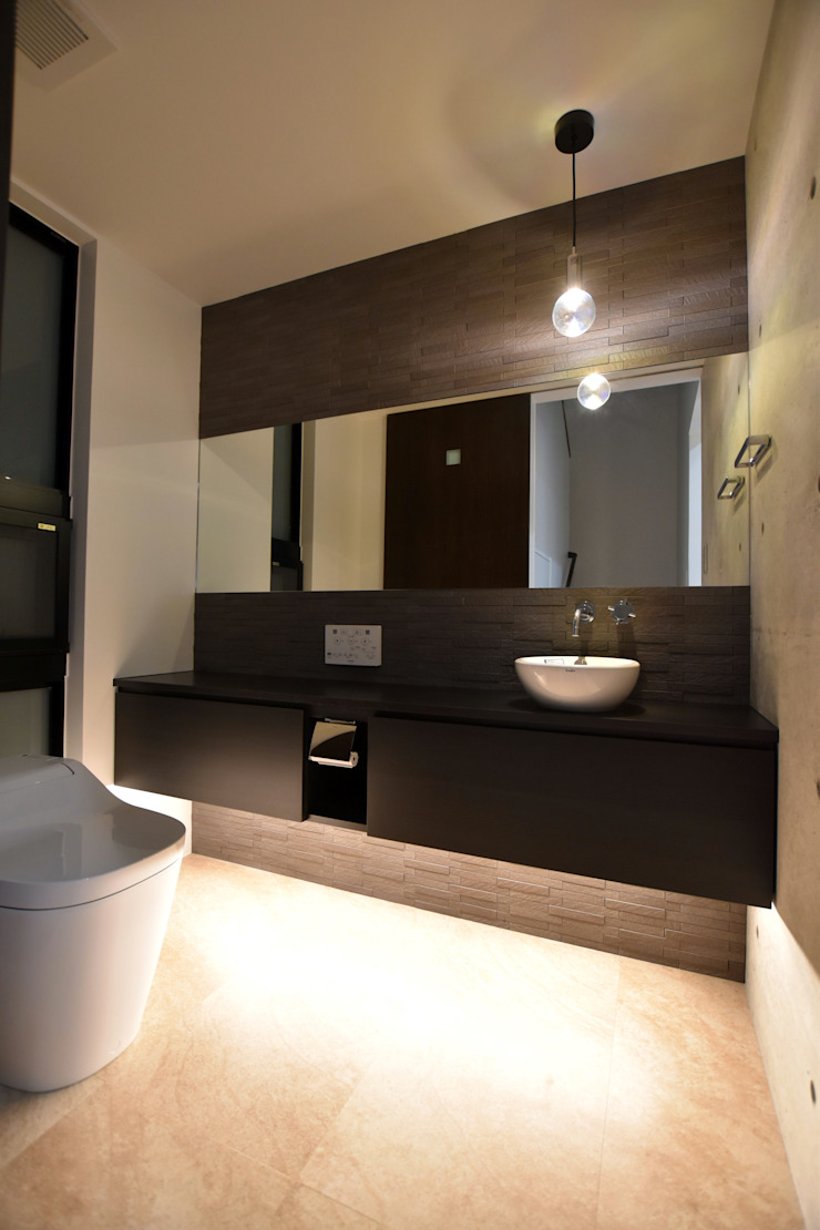 トイレ①: Style Createが手掛けた現代のです。,モダン