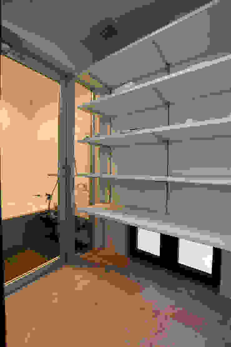 脱衣室: Style Createが手掛けた現代のです。,モダン