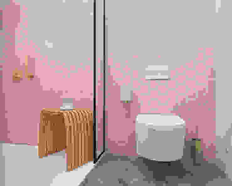 Projecto 3D - Ouro sobre rosa Casas de banho minimalistas por Smile Bath S.A. Minimalista