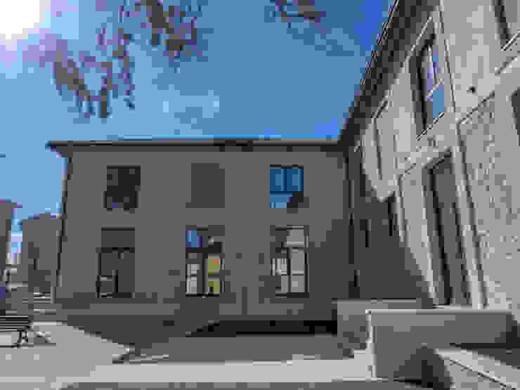 LE.ALL.FER. S.r.l. Wooden windows Aluminium/Zinc Grey