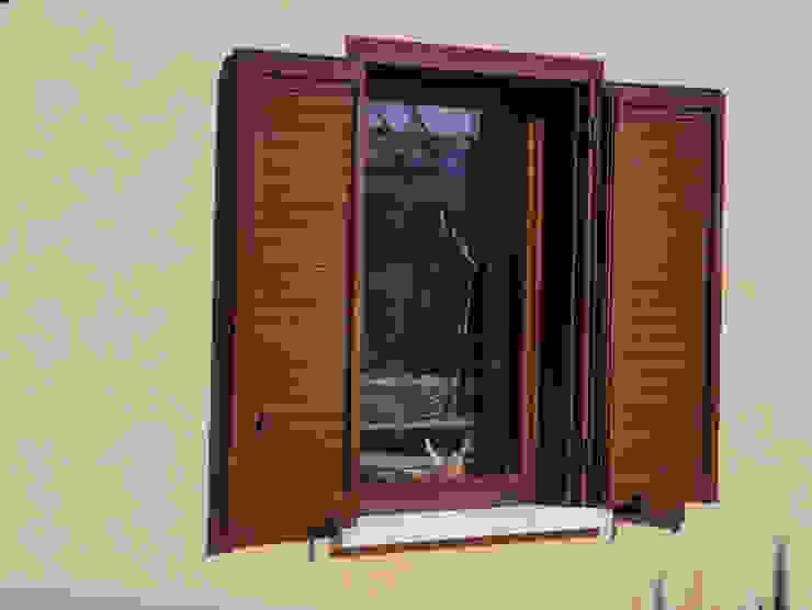 LE.ALL.FER. S.r.l. Persianas Aluminio/Cinc Acabado en madera
