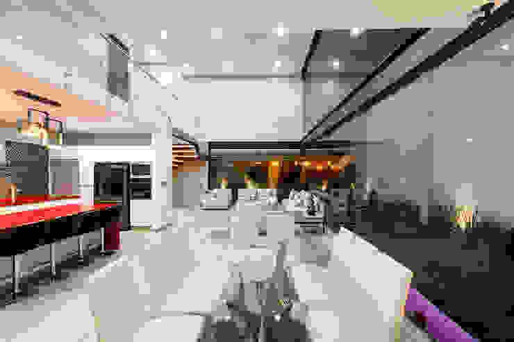 SANTIAGO PARDO ARQUITECTO Sala da pranzo moderna
