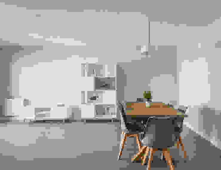 Housing in Benimaclet tambori arquitectes 现代客厅設計點子、靈感 & 圖片