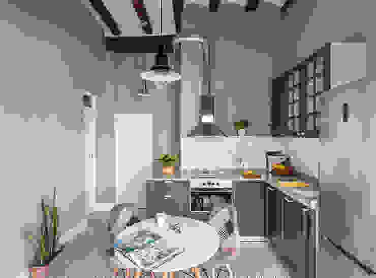 Vivienda en Plaza Redonda Cocinas de estilo moderno de tambori arquitectes Moderno