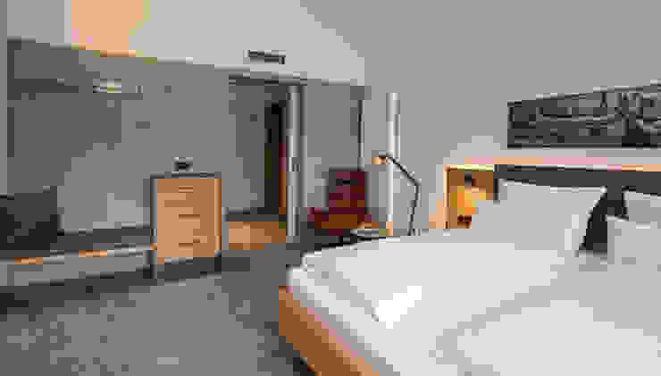 ZiefleKoch Hotel- und Objekteinrichtung, Innenausbau モダンスタイルの寝室