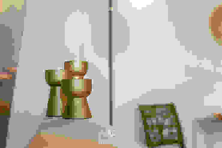 BID-Homestaging Beatrice e Ilaria Dell'Acqua Modern Living Room Amber/Gold