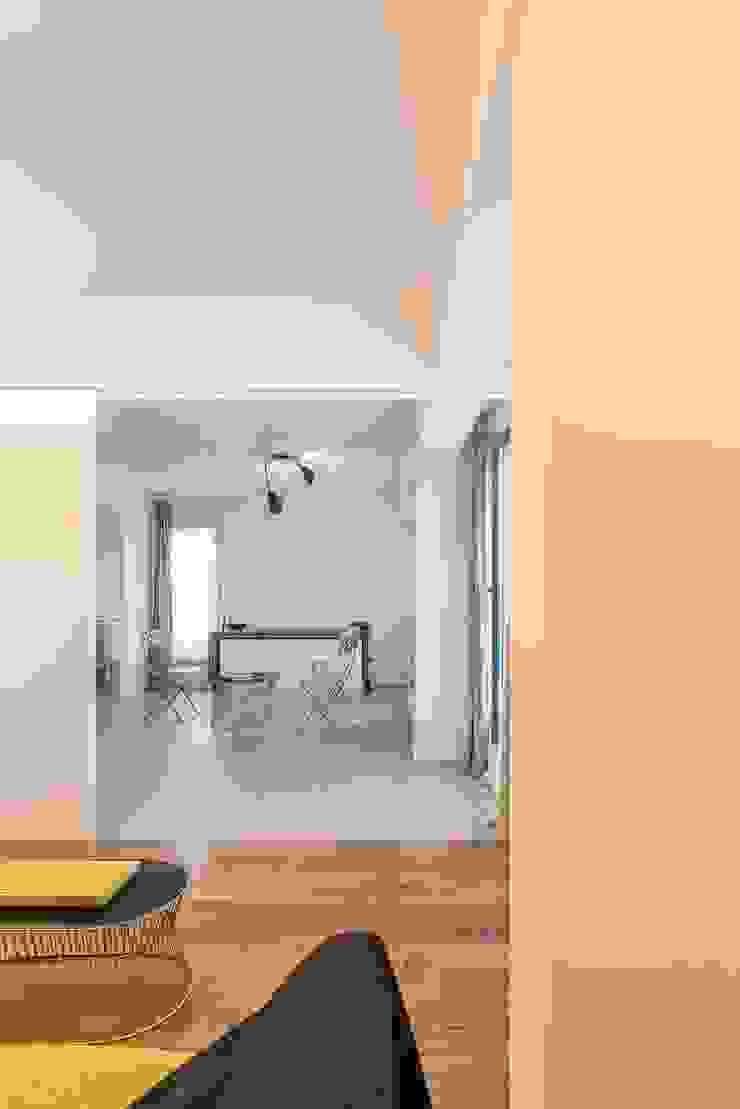 Quimera Renovacion SL Modern Living Room