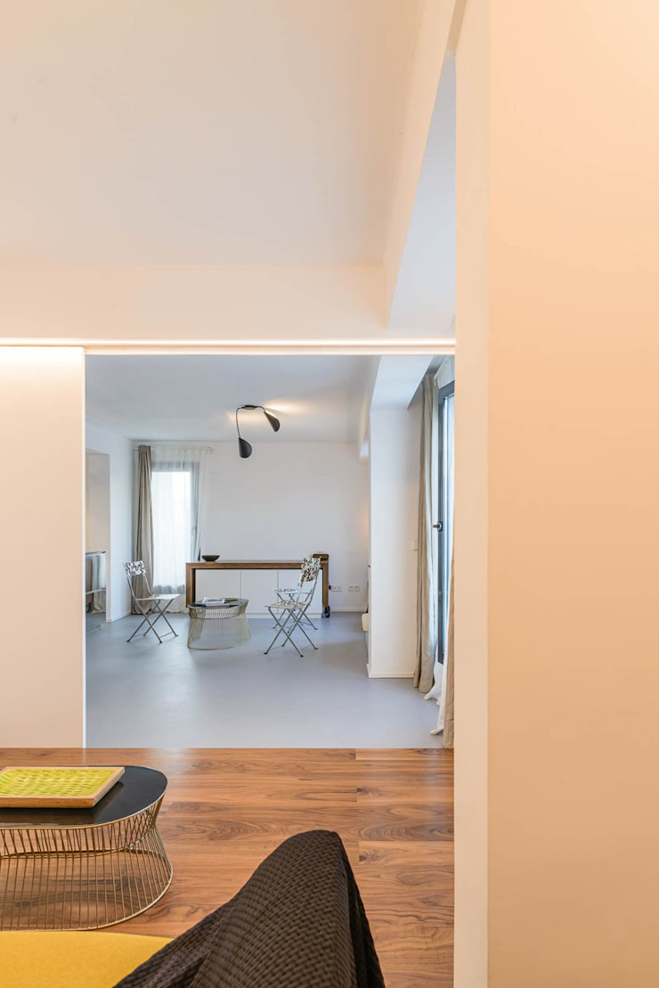 Quimera Renovacion SL Ruang Keluarga Modern