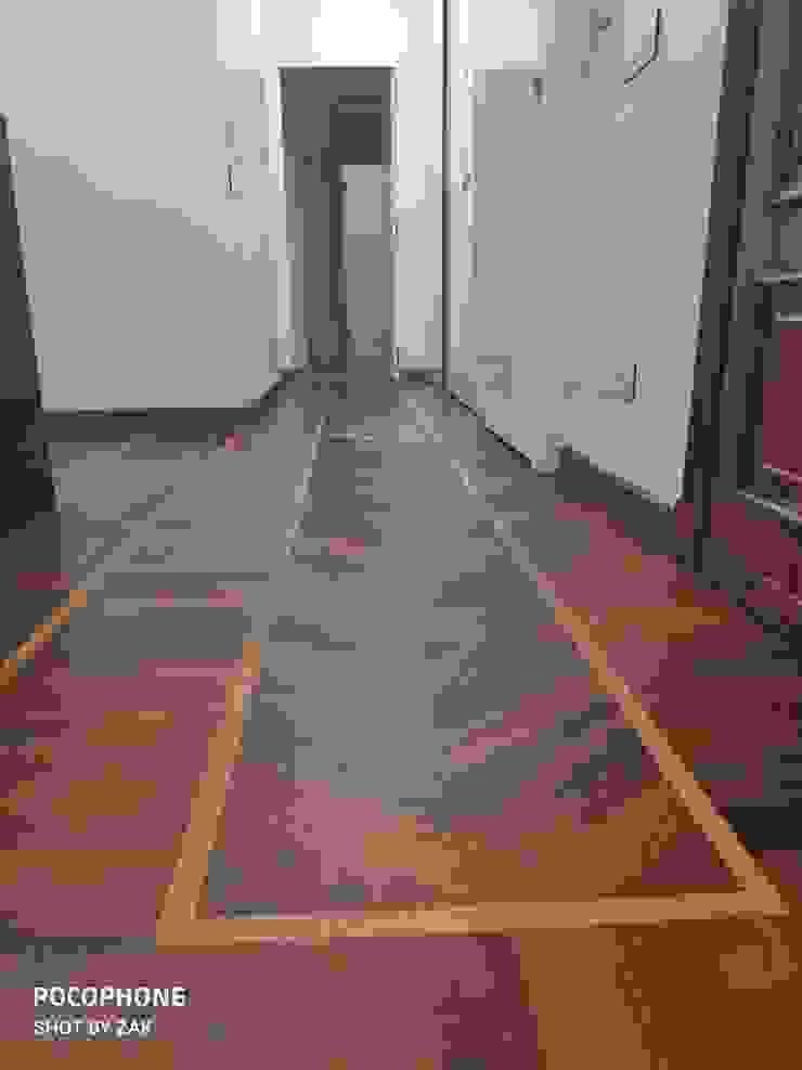(Ex) corridoio Dr-Z Architects Ingresso, Corridoio & Scale in stile moderno Legno massello Bianco