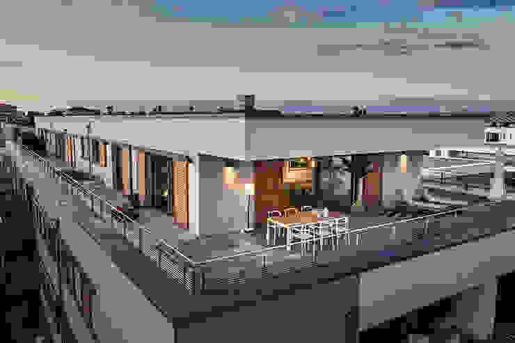 Home Staging Bavaria Балкони, веранди & тераси Освітлення Бежевий