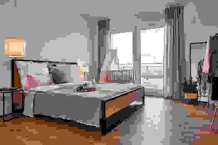Home Staging Bavaria СпальняЛіжка та спинки