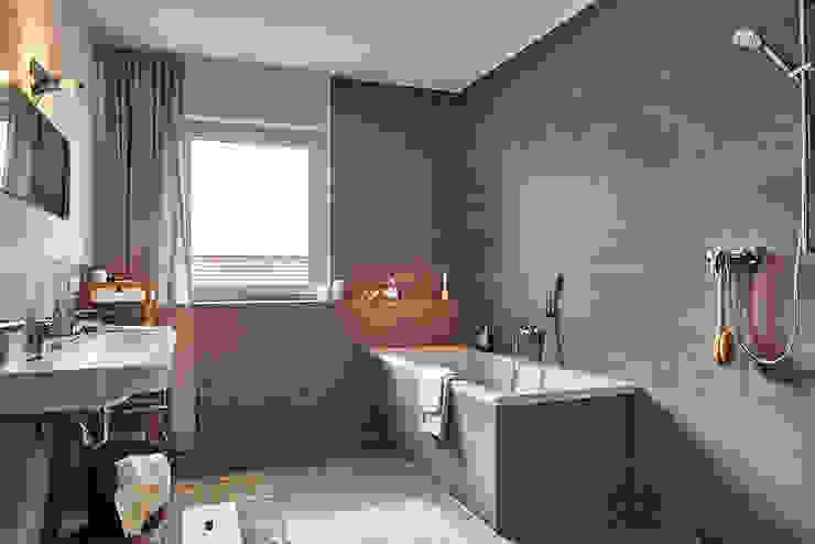 Home Staging Bavaria Ванна кімнатаВанни та душові