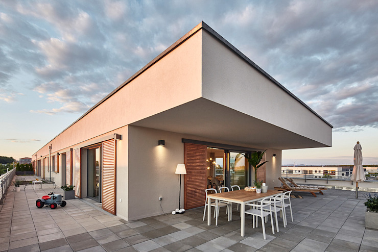 Home Staging Bavaria Балкони, веранди & тераси Меблі