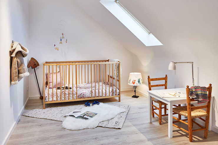 Home Staging Bavaria Nursery/kid's roomBeds & cribs