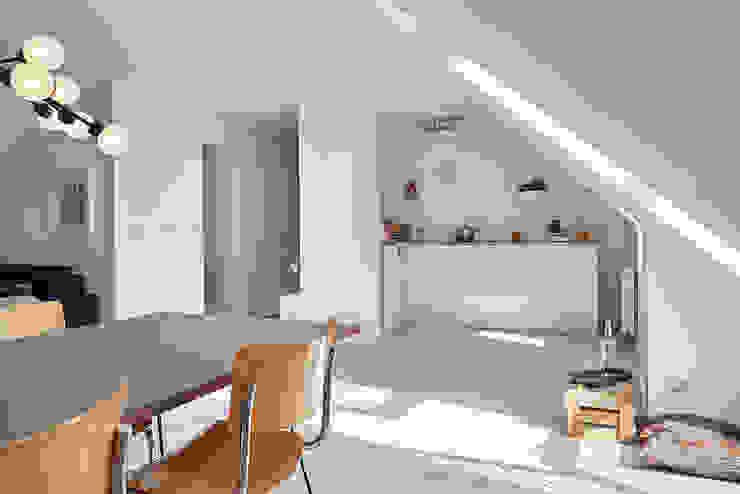 Home Staging Bavaria KitchenCabinets & shelves
