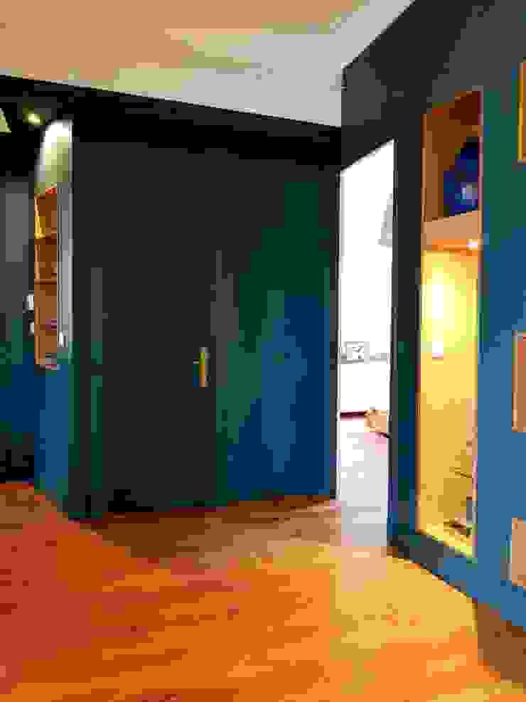 Couloir SAB & CO Couloir, entrée, escaliers modernes