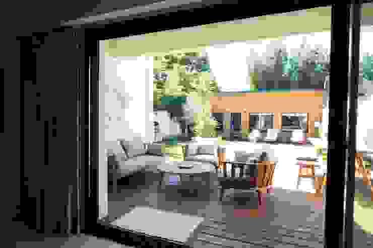 SAB & CO Modern Terrace