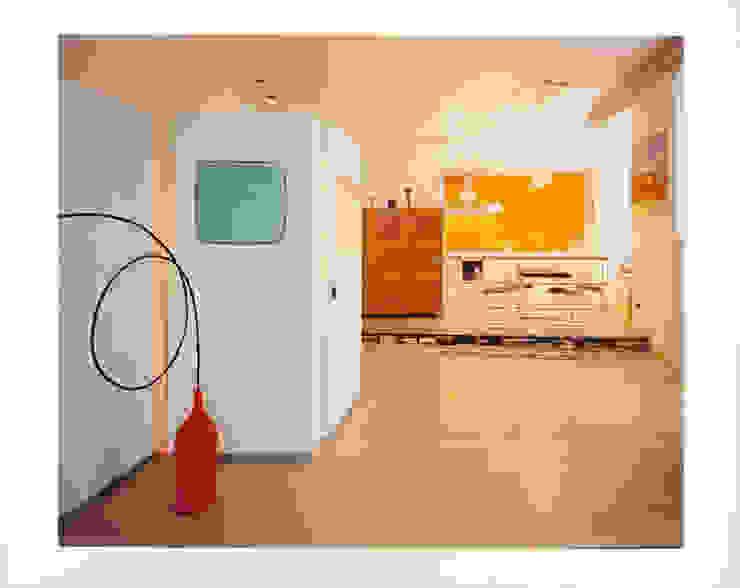 art gallery house in genoa studio patrocchi Eclectic style living room