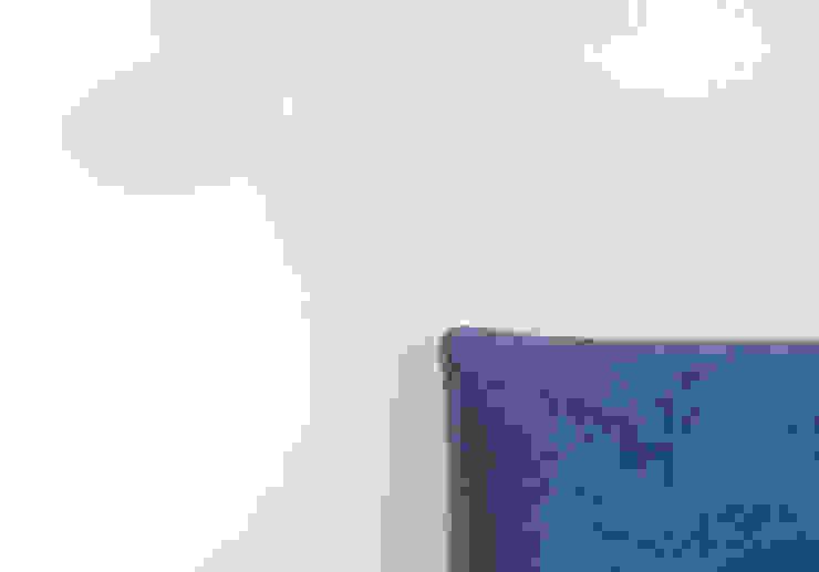 CAMERA MATRIMONIALE/ dettaglio testiera Cerra+Corbani Camera da letto minimalista