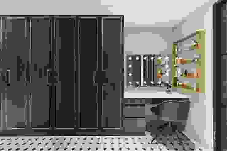 木作門片與系統桶身的結合 禾廊室內設計 Classic style dressing room