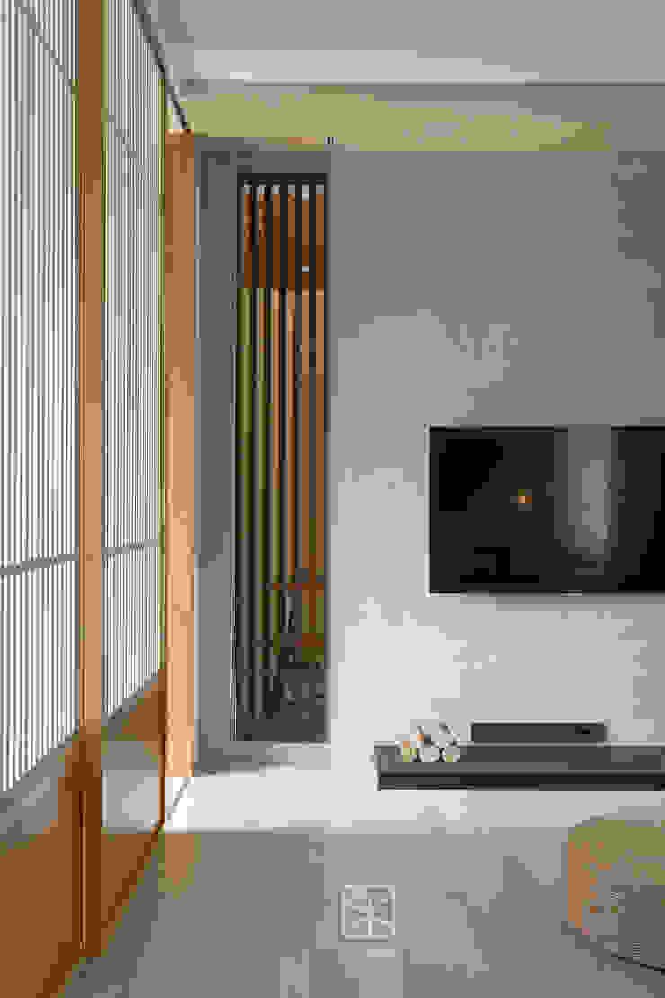 現代塗料與中式格柵設計 禾廊室內設計 Living room