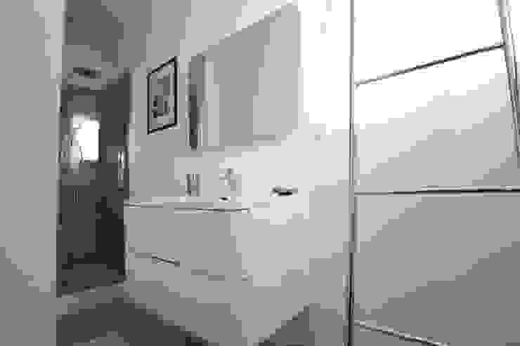 Salle d'eau SAB & CO Salle de bain moderne