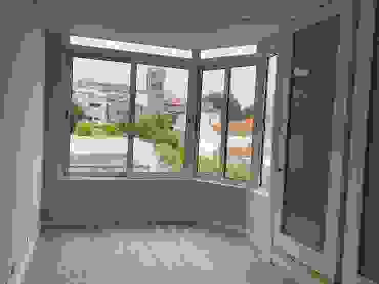 BCimobiliária Modern Living Room