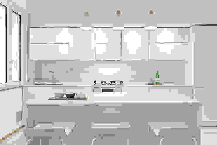 Luca Bucciantini Architettura d' interni Вбудовані кухні Дерево Білий