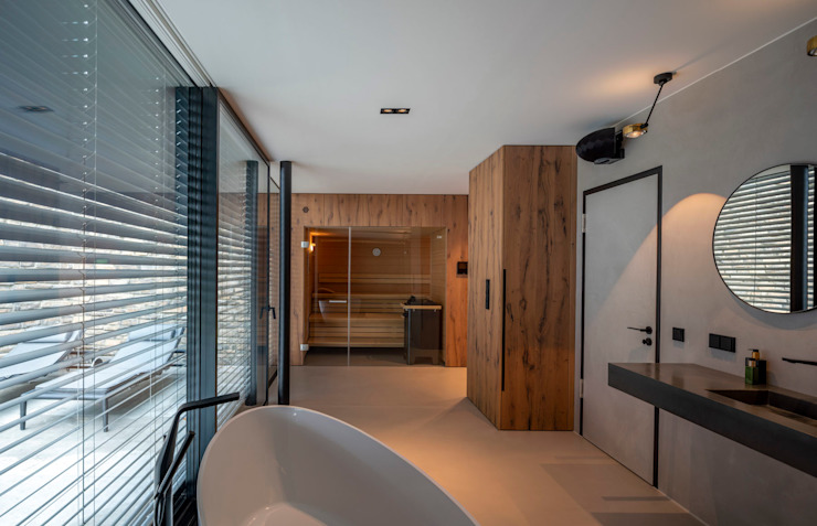 Fichtner Gruber Architekten Modern style bathrooms
