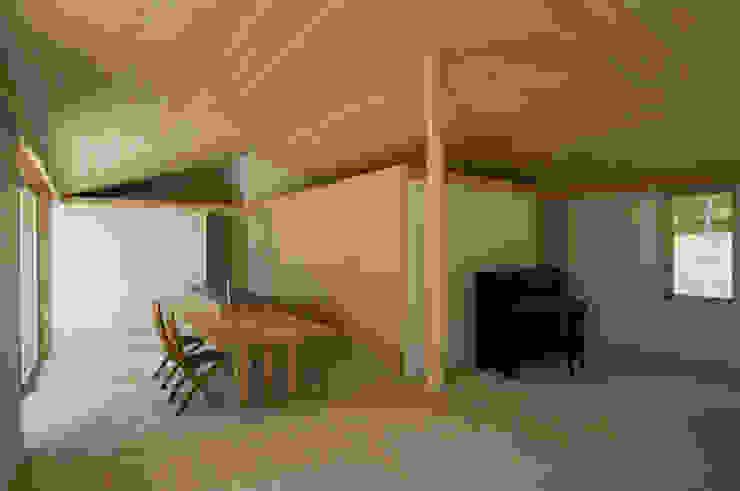 LDK 根岸達己建築室 キッチン収納 木 ベージュ