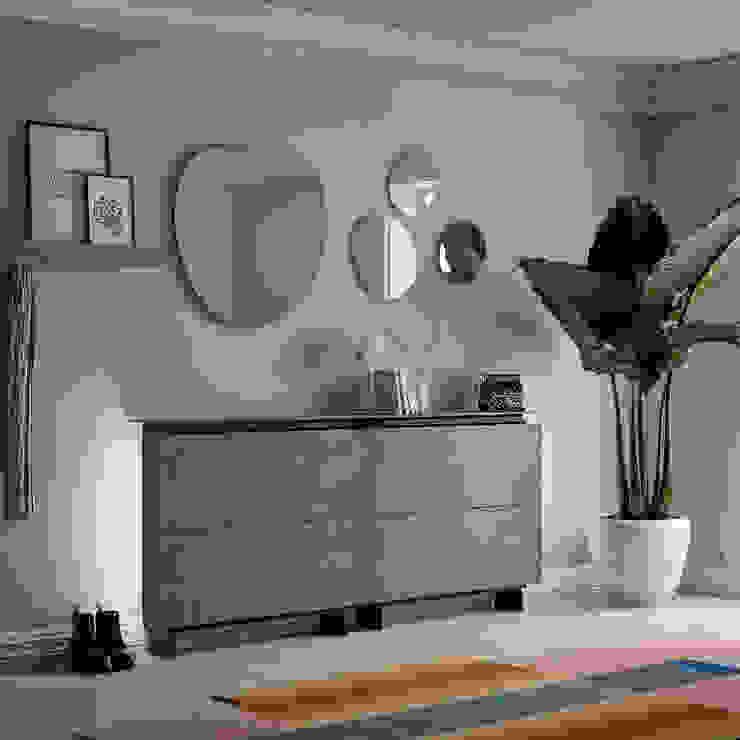 Hosoi elegant shoe storage with glass top shelf by Birex My Italian Living Corridor, hallway & stairsStorage