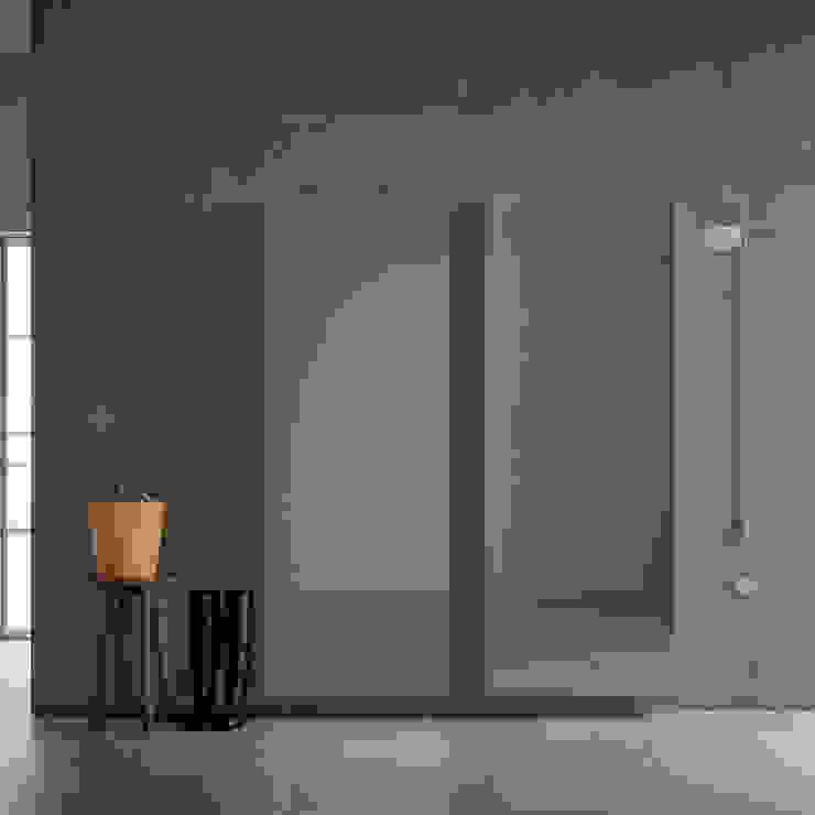 Welcome glass door shoe storage & coat rack by Birex My Italian Living Corridor, hallway & stairsStorage