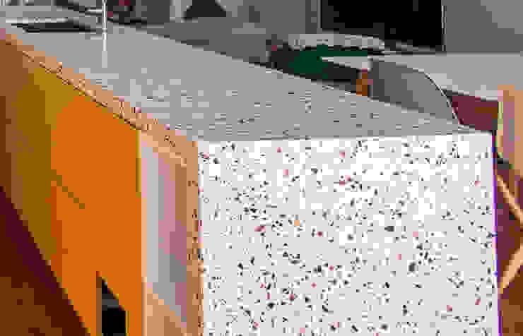 Residência Privada - Porto RMC | Eurosurfaces Cozinhas modernas