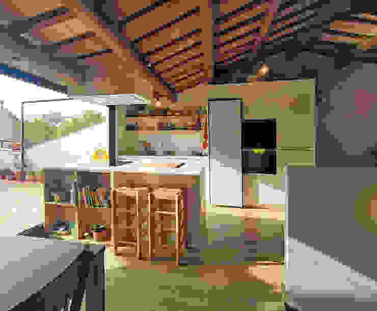 Remonta en Molins de Rei Cocinas de estilo moderno de ecoarquitectura Moderno