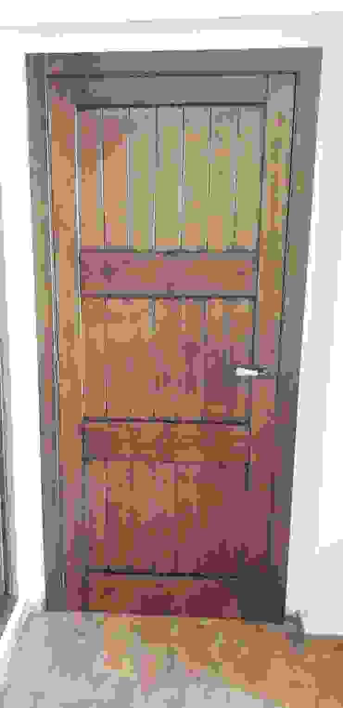 Carpintería área 59 Mediterranean style gastronomy Solid Wood Wood effect