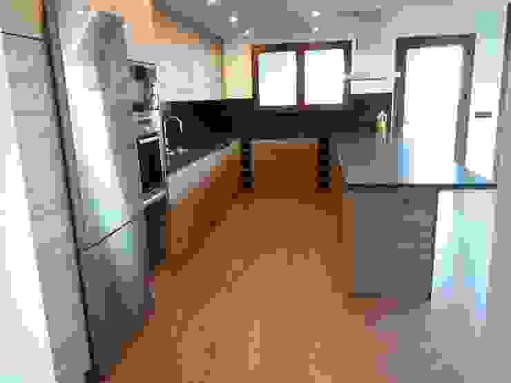 Carpintería área 59 Commercial Spaces Engineered Wood Wood effect
