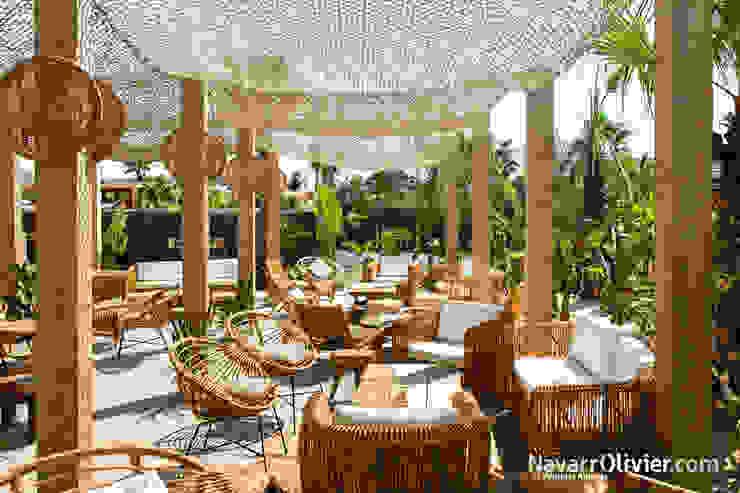 NavarrOlivier Bars & clubs tropicaux Bois massif Effet bois