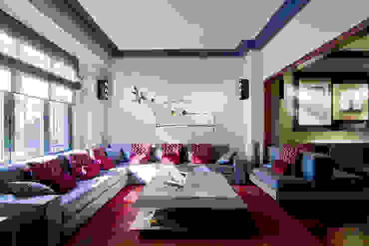 MANUEL TORRES DESIGN 现代客厅設計點子、靈感 & 圖片