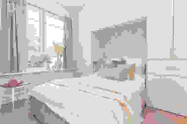 Pracownia Architektury Wnętrz Decoroom Dormitorios de estilo ecléctico