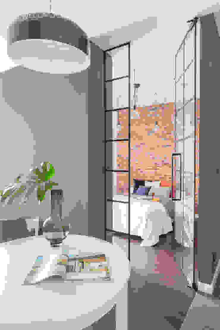 Pracownia Architektury Wnętrz Decoroom Puertas industriales