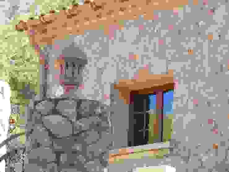 Vista de una ventana. PALMAREFORMAS.COM Ventanas de madera