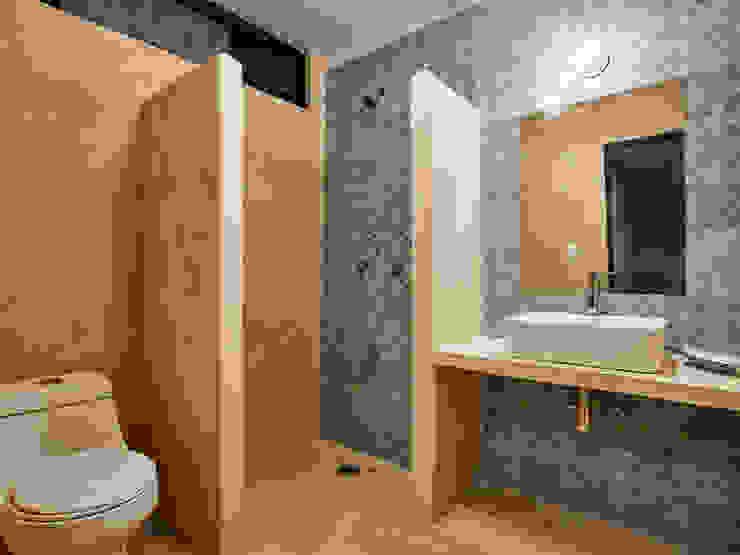 Quinto Distrito Arquitectura Tropical style bathroom Tiles Green