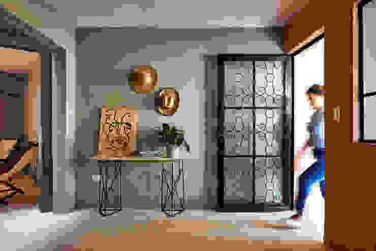 Quinto Distrito Arquitectura Tropical style corridor, hallway & stairs Grey