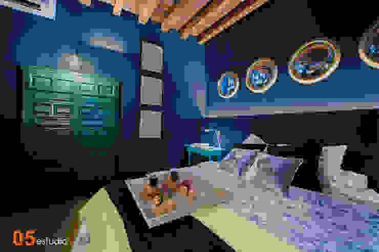 Vista del dormitorio. 05 Estudio Dormitorios de estilo ecléctico