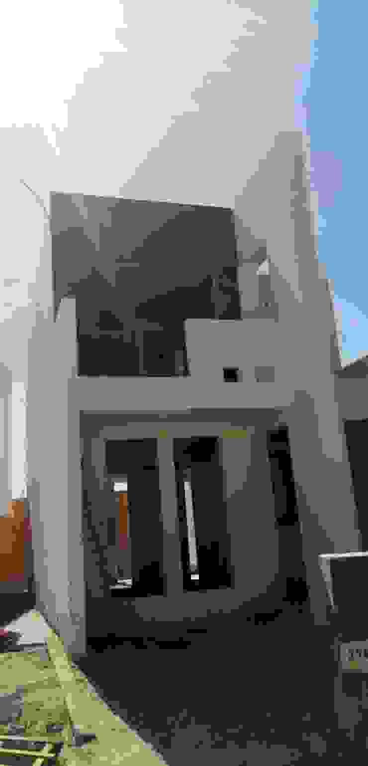 LACR Diseños y Construcciones Casas de estilo clásico