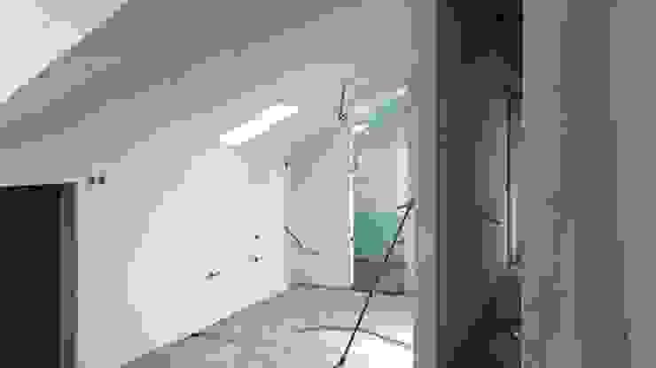 CWB Construções Lda Dinding & Lantai Modern