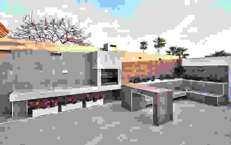 Jardín de entrada a vivienda. Barbacoa Activ-a Servicios profesionales de arquitectos Jardines delanteros Cerámico Gris