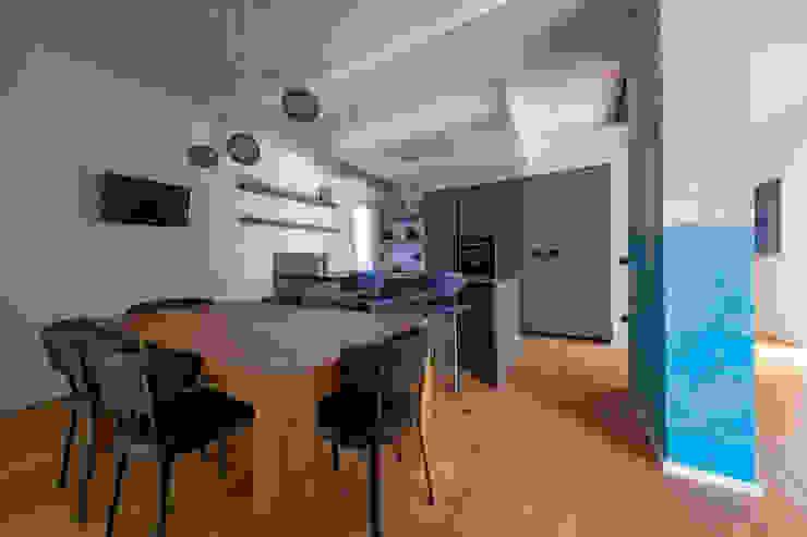 CUCINA & PRANZO di GIULIA ANNOVI HOME DESIGN Moderno Legno Effetto legno